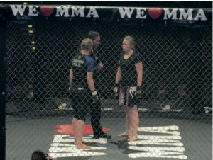 We love MMA Frauenkampf